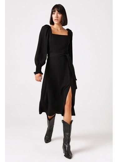 Gusto Kare Yaka Uzun Elbise  Siyah